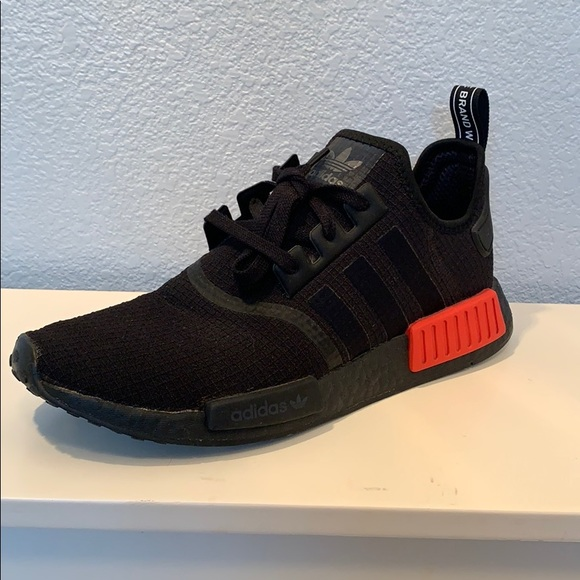 new arrival b2d23 4e152 Nmd R1 Core Black Lush Red